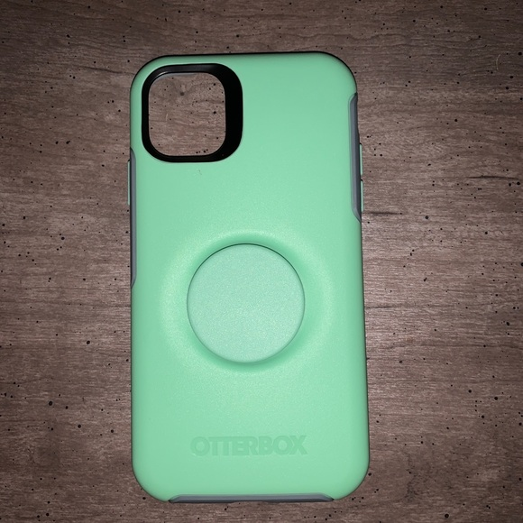 🔆2/$45 IPhone 11 OtterBox Case with Popsocket